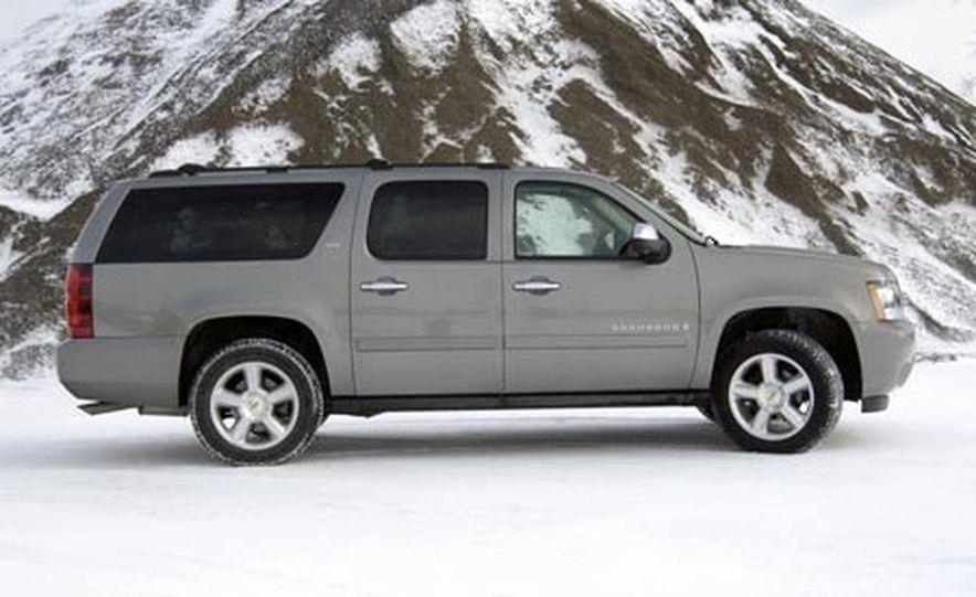 2007 Chevrolet Suburban LTZ - Slide 3