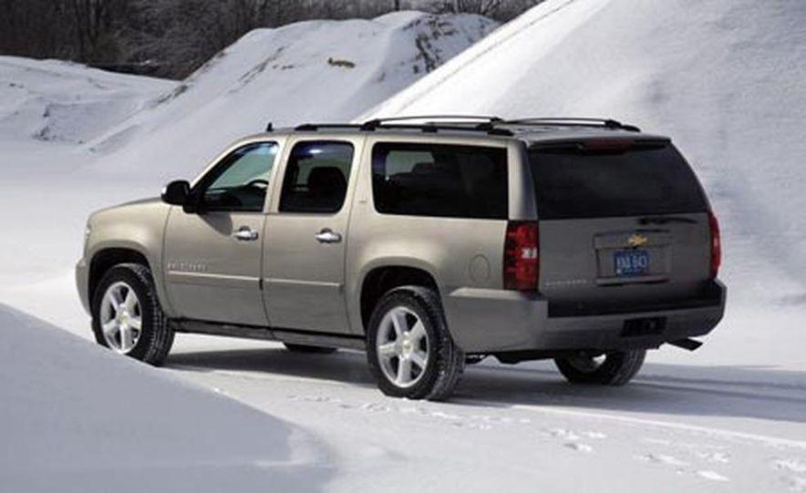2007 Chevrolet Suburban LTZ - Slide 4