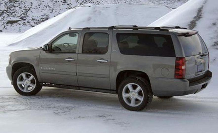 2007 Chevrolet Suburban LTZ - Slide 6