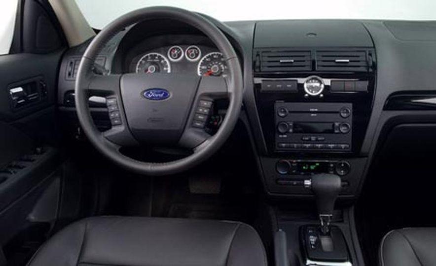 2007 Ford Fusion SEL - Slide 16