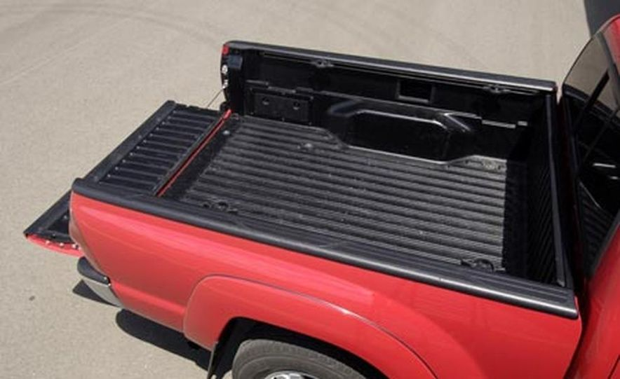 Toyota Tacoma Double Cab 4x4 V6 Long Bed - Slide 12