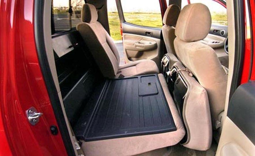 Toyota Tacoma Double Cab 4x4 V6 Long Bed - Slide 14