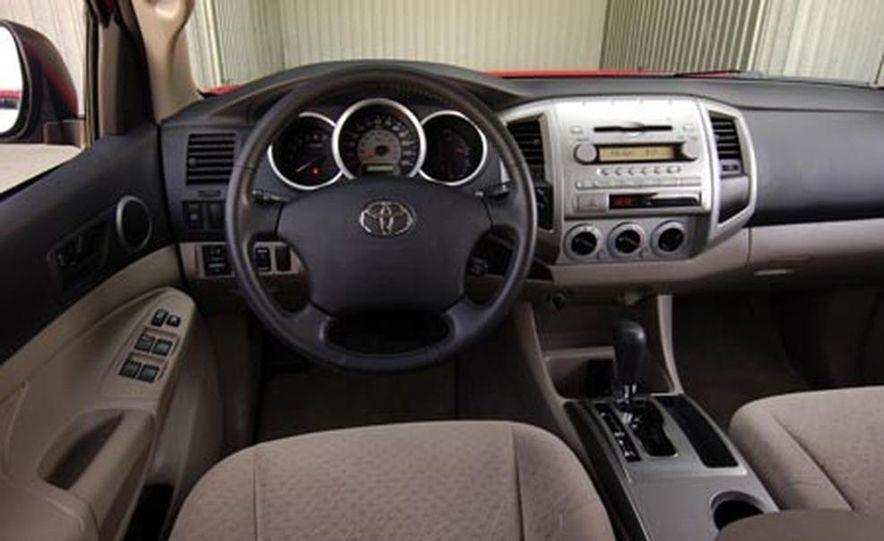 Toyota Tacoma Double Cab 4x4 V6 Long Bed - Slide 16