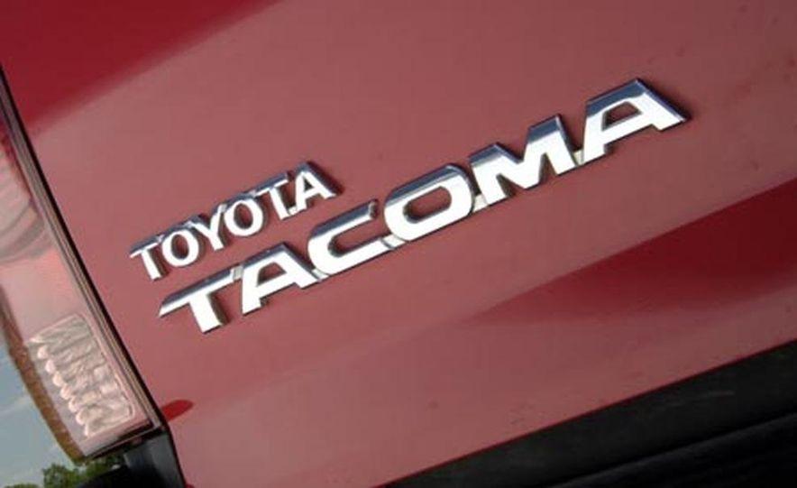 Toyota Tacoma Double Cab 4x4 V6 Long Bed - Slide 21