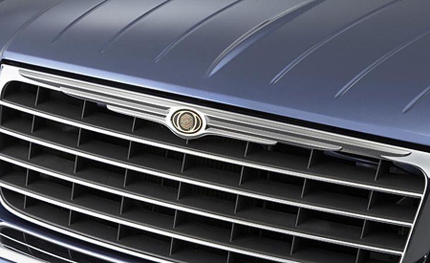 2007 Chrysler Aspen - Slide 7