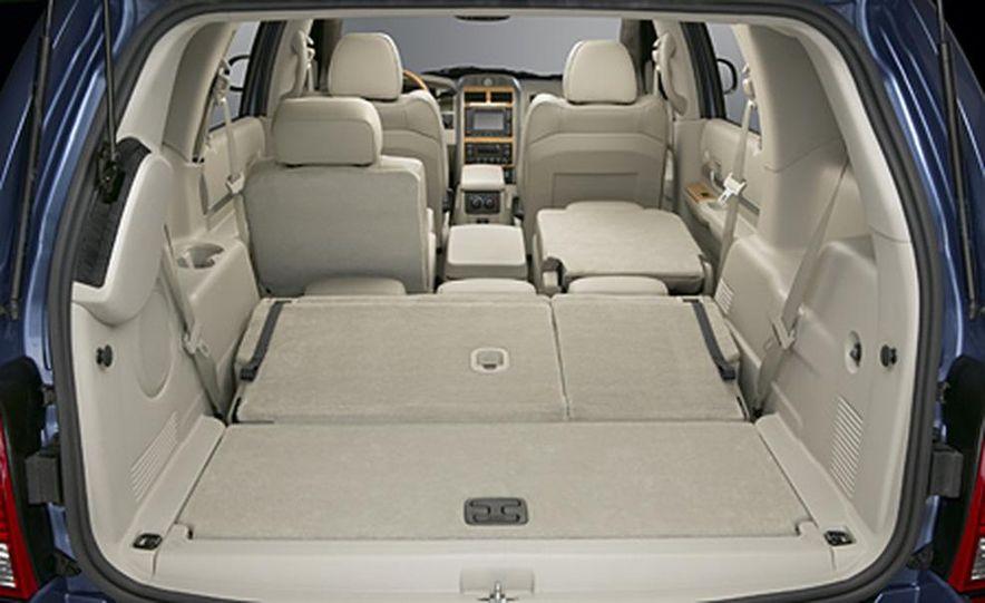 2007 Chrysler Aspen - Slide 13