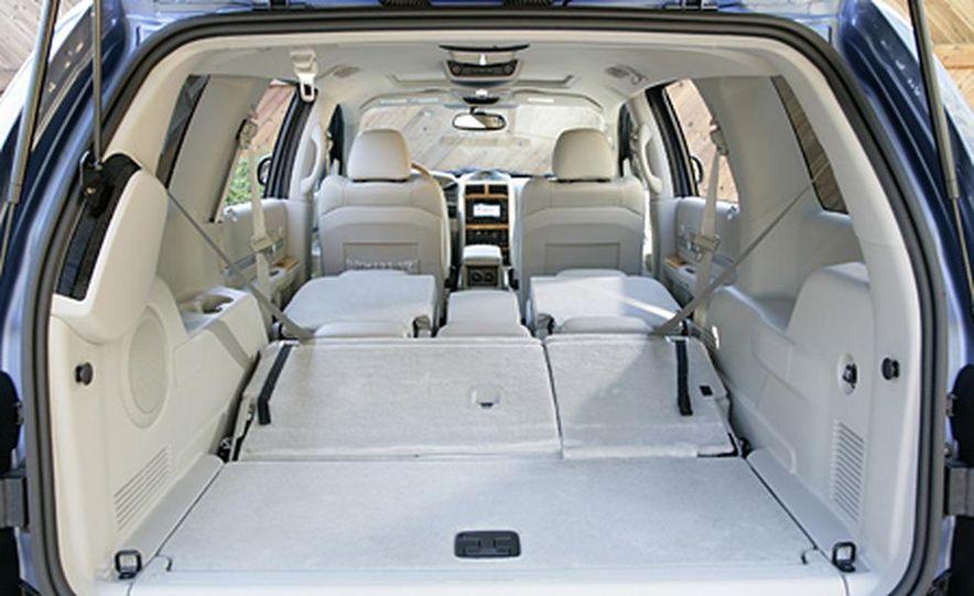 2007 Chrysler Aspen - Slide 15