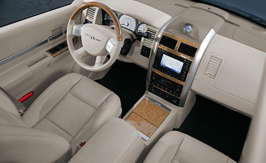 2007 Chrysler Aspen - Slide 16