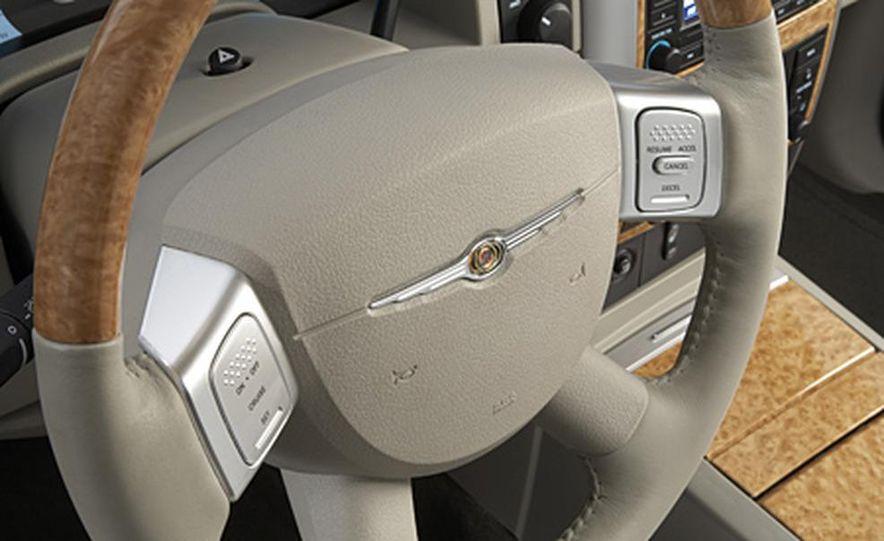 2007 Chrysler Aspen - Slide 20