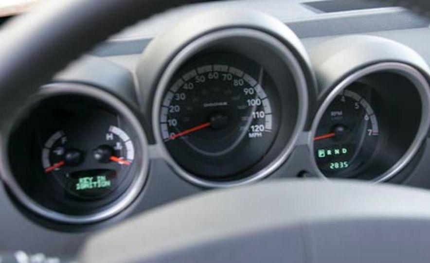 2007 Dodge Nitro R/T - Slide 7