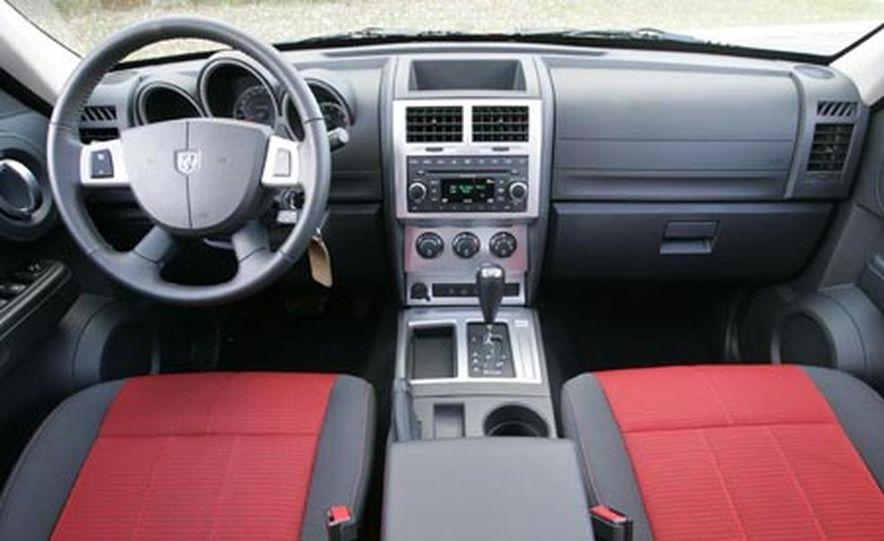 2007 Dodge Nitro R/T - Slide 9