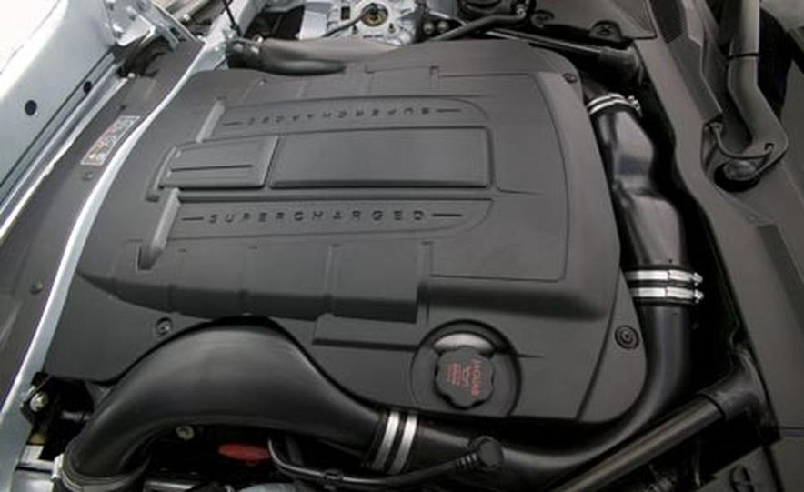 2007 Jaguar XKR - Slide 7