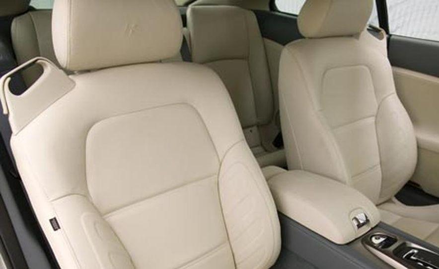 2007 Jaguar XKR - Slide 11