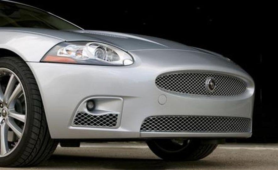 2007 Jaguar XKR - Slide 3