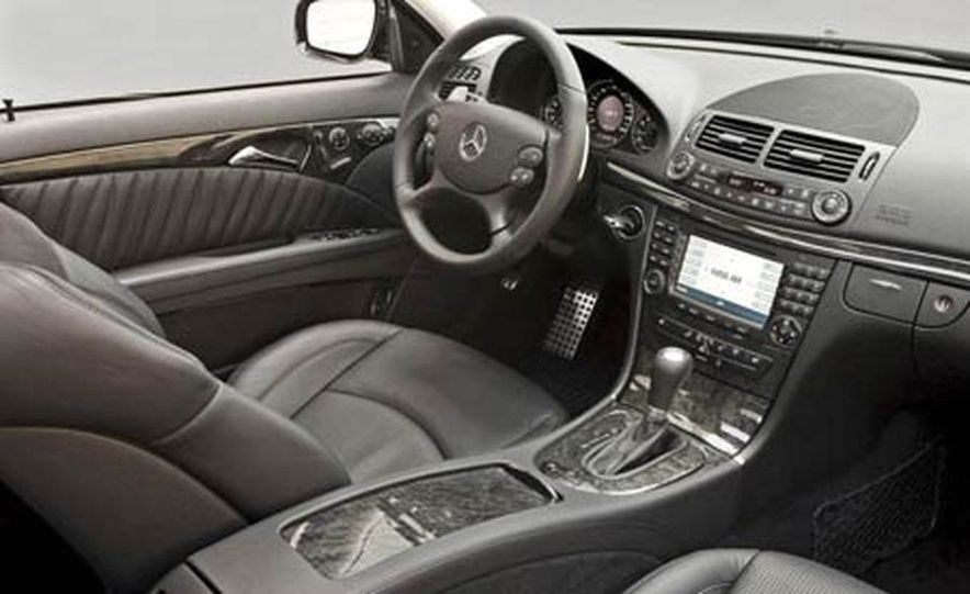 2007 Mercedes-Benz E-class interior - Slide 24