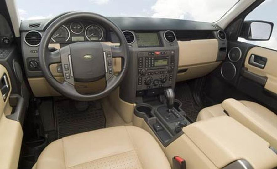Land Rover LR3 HSE - Slide 15