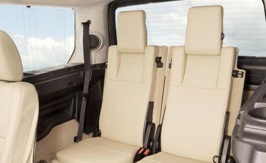 Land Rover LR3 HSE - Slide 16