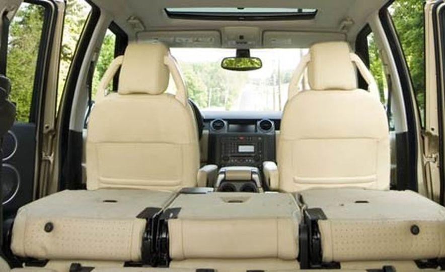 Land Rover LR3 HSE - Slide 17