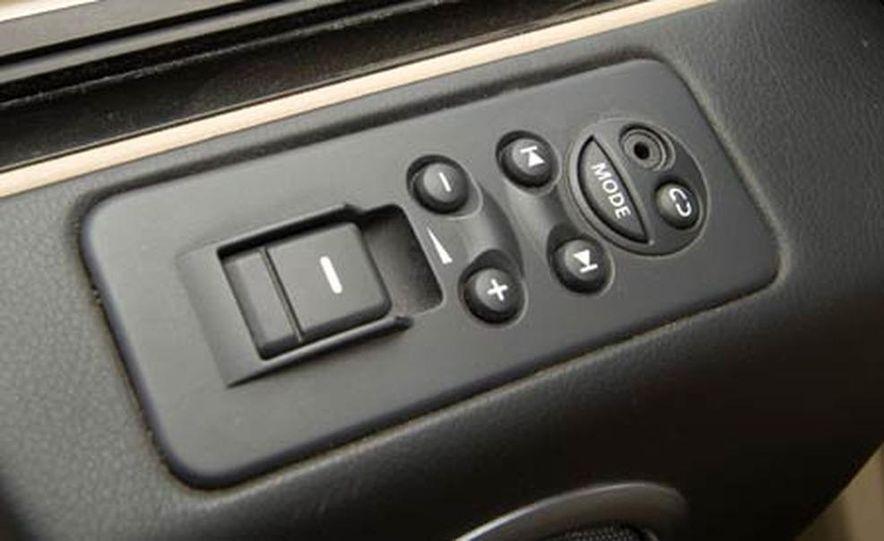 Land Rover LR3 HSE - Slide 19