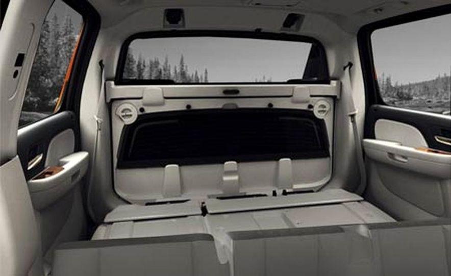 2007 Chevrolet Avalanche - Slide 11