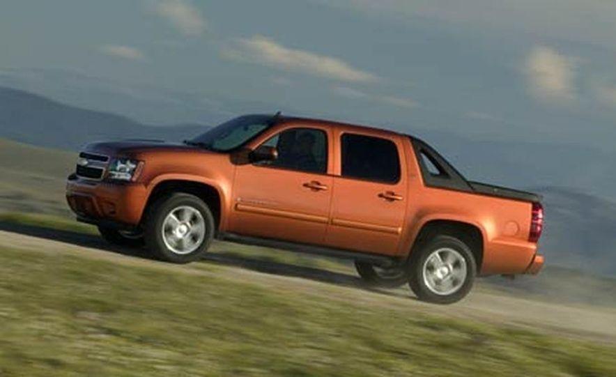 2007 Chevrolet Avalanche - Slide 7