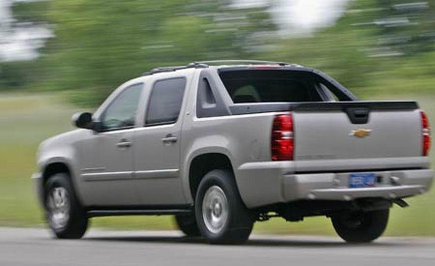 2007 Chevrolet Avalanche - Slide 9