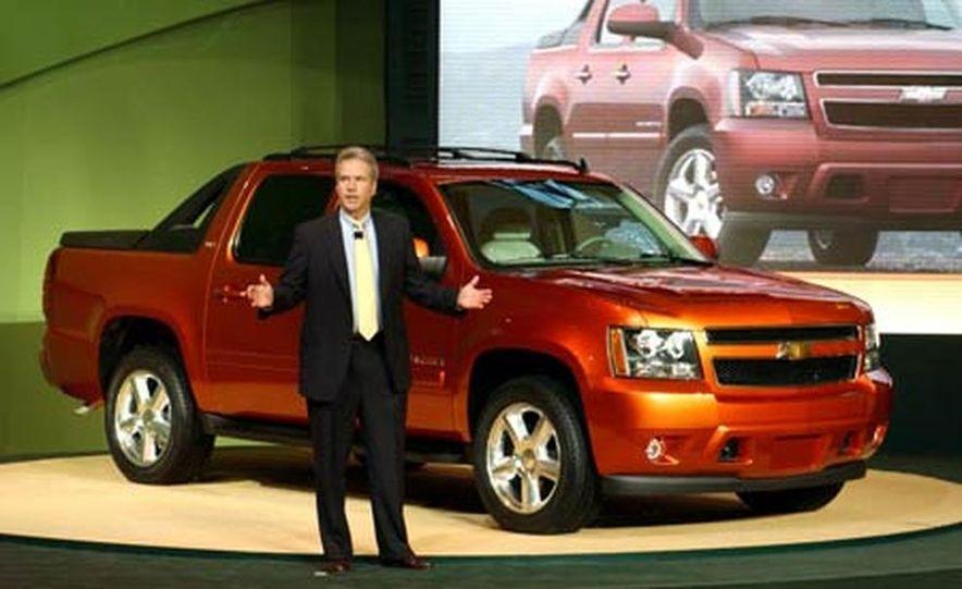 2007 Chevrolet Avalanche - Slide 16
