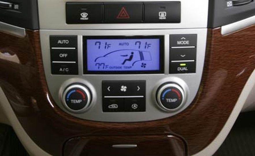 2007 Hyundai Santa Fe Limited - Slide 12
