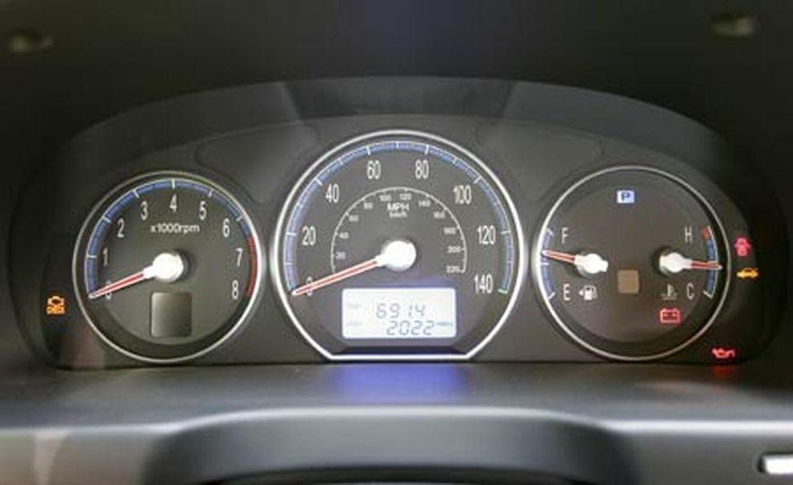 2007 Hyundai Santa Fe Limited - Slide 13