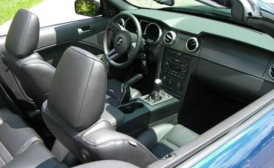 2007 Ford Mustang Shelby GT500 convertible - Slide 34