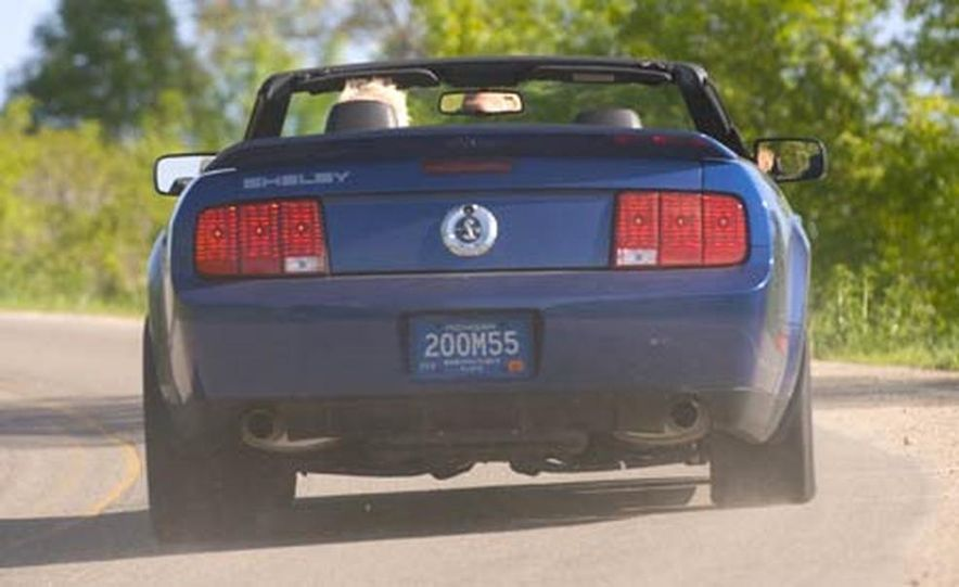 2007 Ford Mustang Shelby GT500 convertible - Slide 5