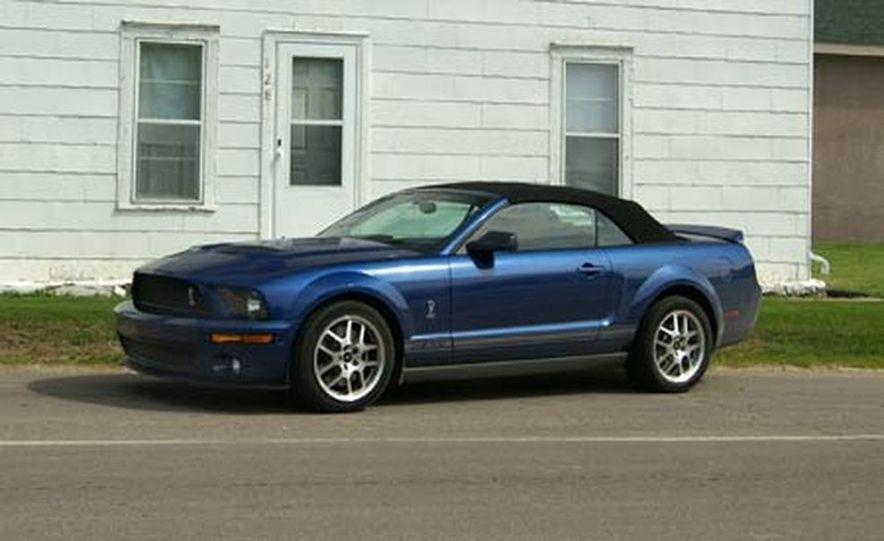 2007 Ford Mustang Shelby GT500 convertible - Slide 15