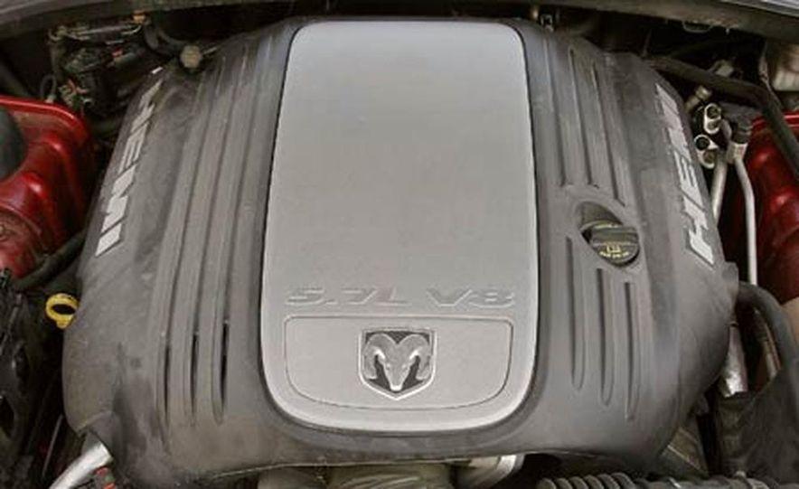 2005 Dodge Magnum RT - Slide 15