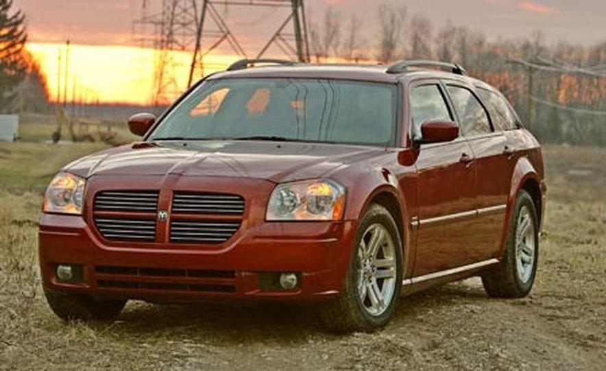 2005 Dodge Magnum RT - Slide 3