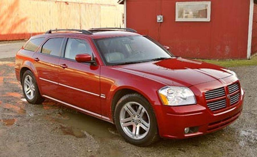 2005 Dodge Magnum RT - Slide 4