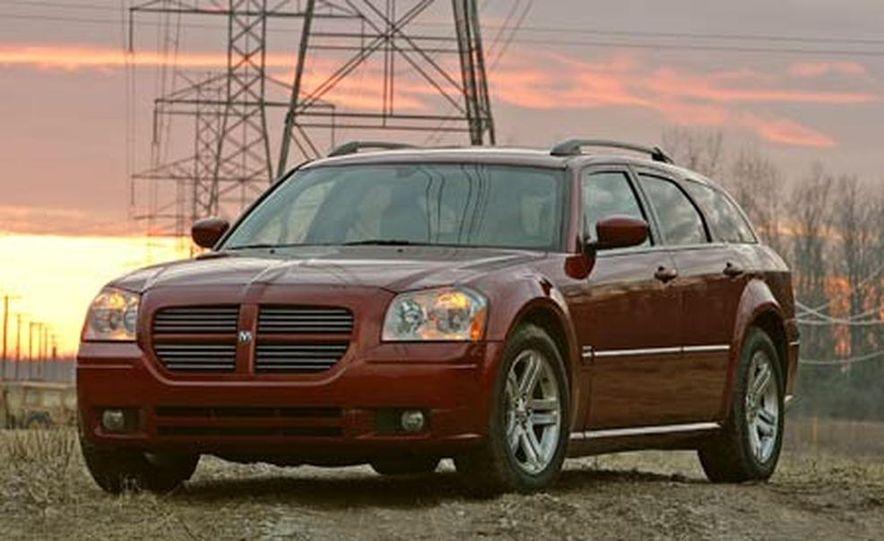 2005 Dodge Magnum RT - Slide 5