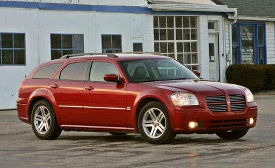 2005 Dodge Magnum RT - Slide 7