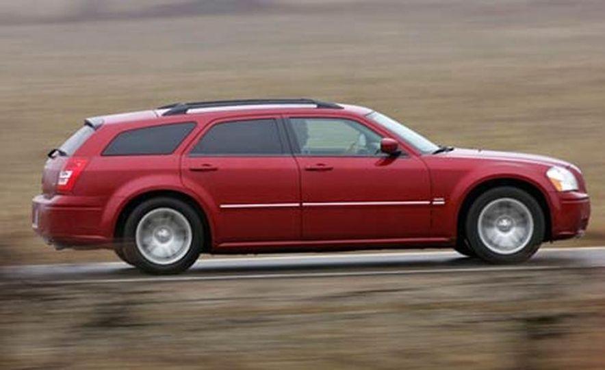 2005 Dodge Magnum RT - Slide 12