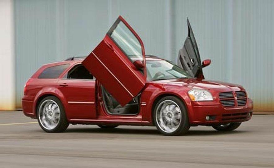 2005 Dodge Magnum RT - Slide 27