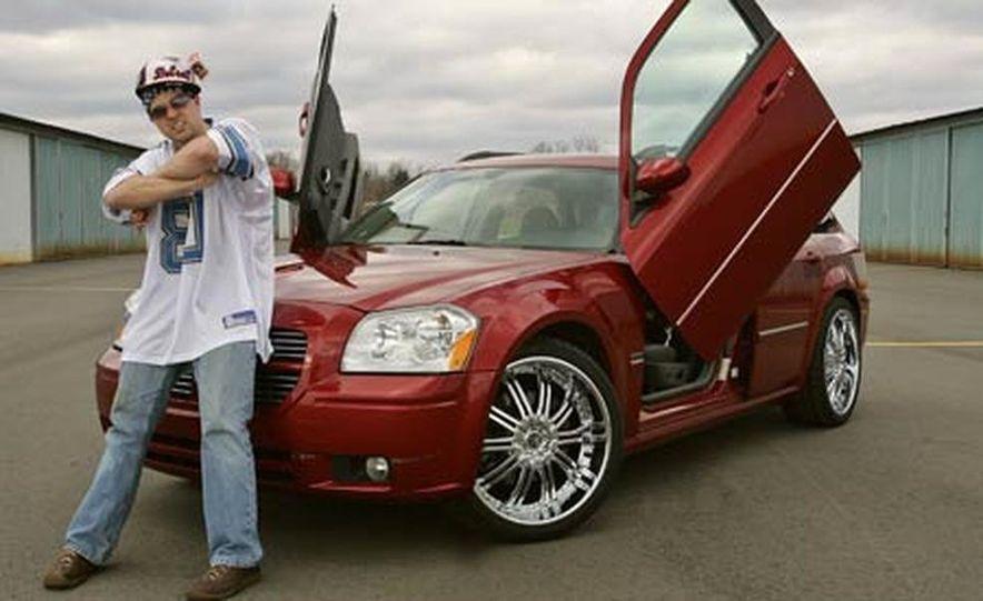 2005 Dodge Magnum RT - Slide 31