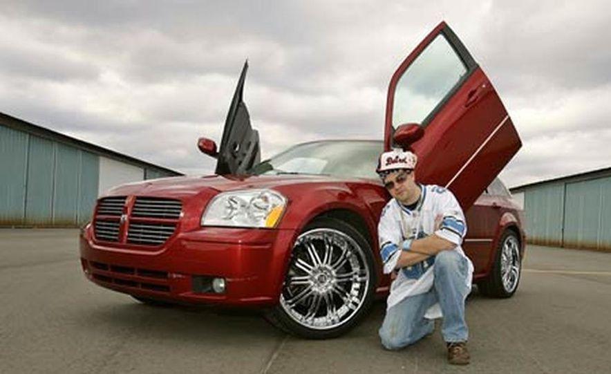 2005 Dodge Magnum RT - Slide 34