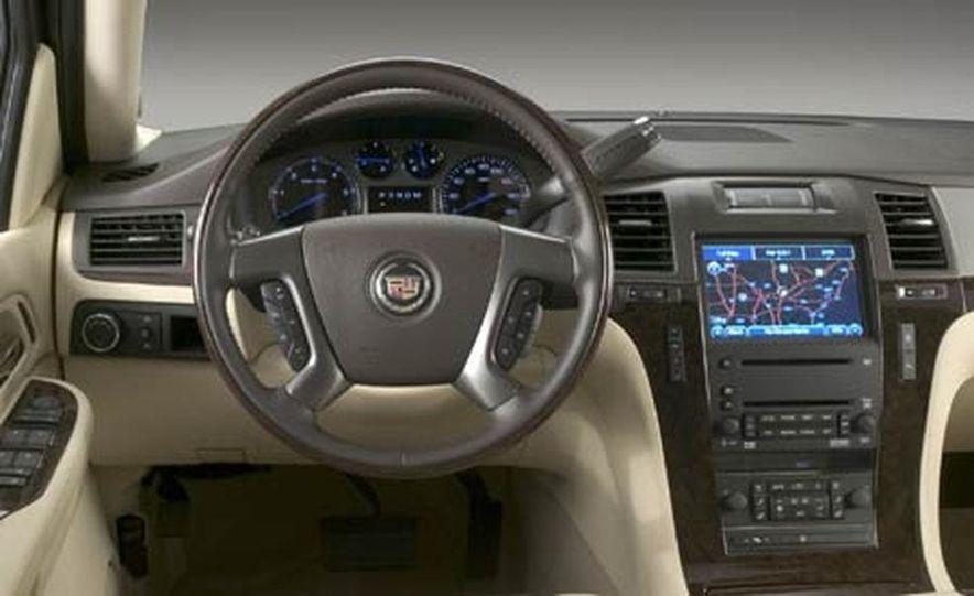 2007 Cadillac Escalade - Slide 23