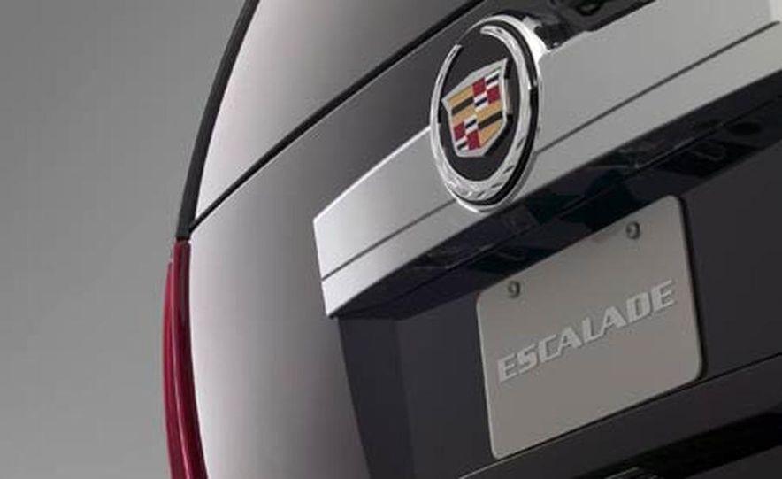 2007 Cadillac Escalade - Slide 25
