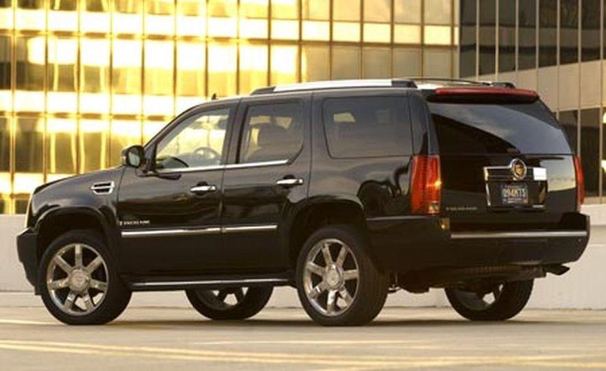 2007 Cadillac Escalade - Slide 2