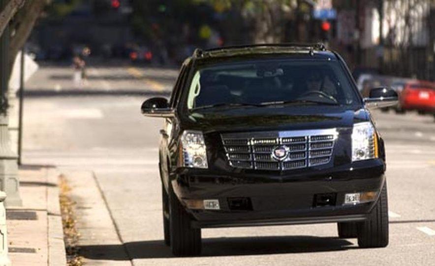 2007 Cadillac Escalade - Slide 3