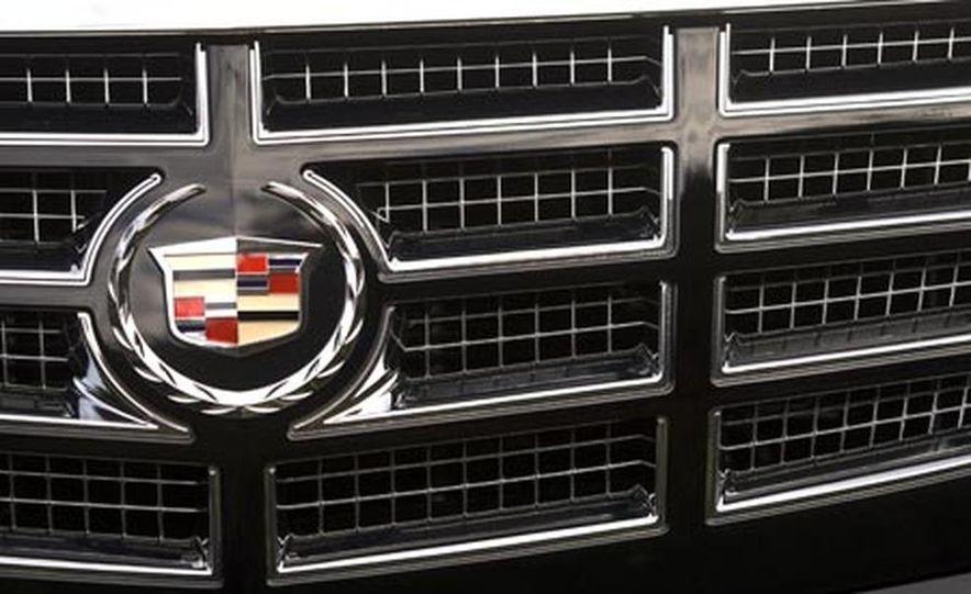 2007 Cadillac Escalade - Slide 5