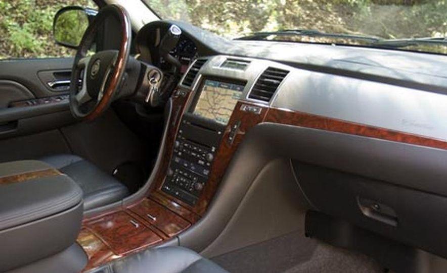 2007 Cadillac Escalade - Slide 6