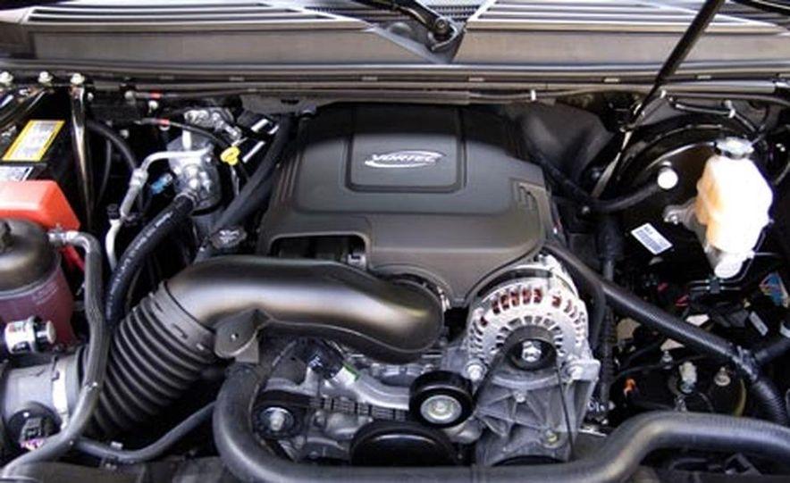 2007 Cadillac Escalade - Slide 10