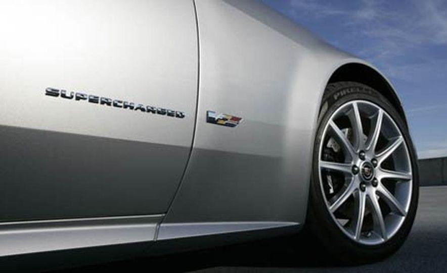 Cadillac XLR-V - Slide 25