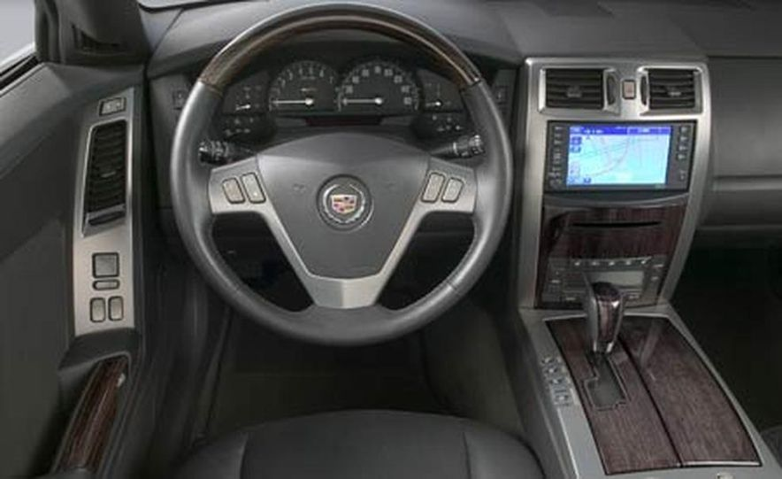 Cadillac XLR-V - Slide 27